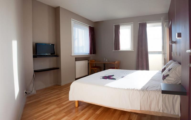 Romantische kamer het maantje charmante kamers in de panne - Romantische kamer ...